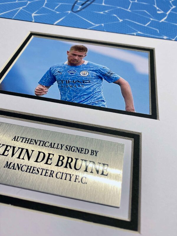 De Bruyne 2020 signed shirt up close