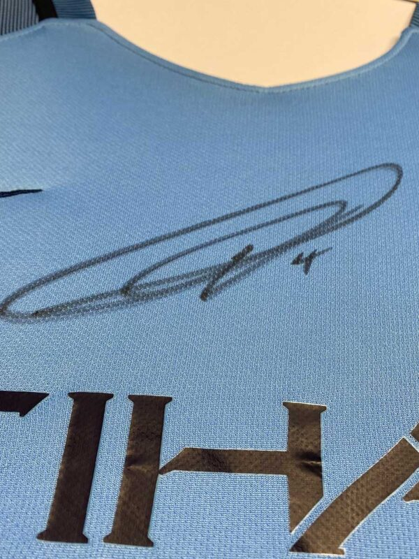 vincent kompany signature