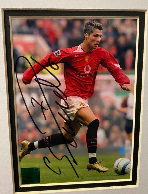 authentically signed cristiano-ronaldo autograph up close