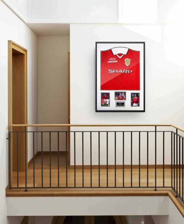 authentically-signed-ryan-giggs-signed-shirt-1999-background